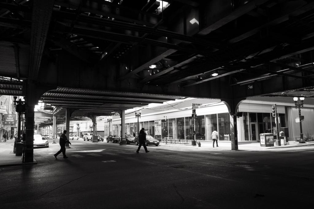 Sous le métro