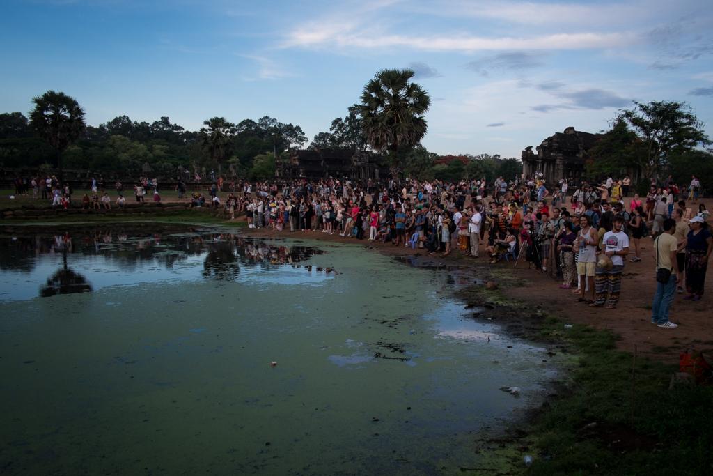 Foule Angkor Wat