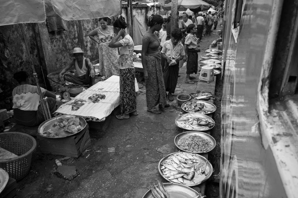 Marché rails Rangoun